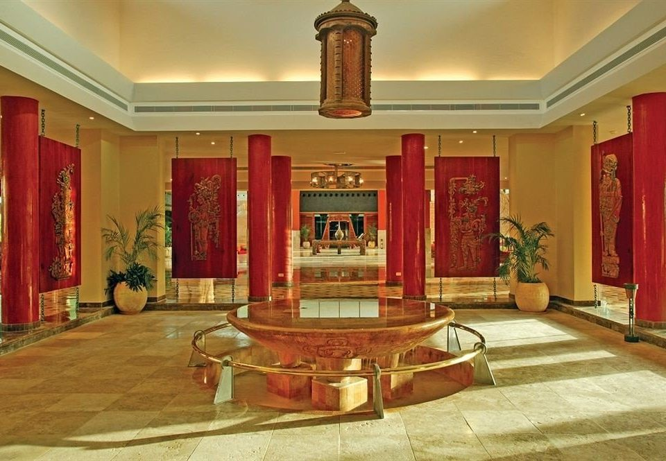 Lobby property building palace mansion tourist attraction altar chapel hall ballroom synagogue