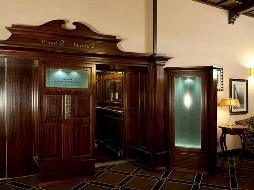 cabinet property cabinetry home lighting mansion Lobby appliance