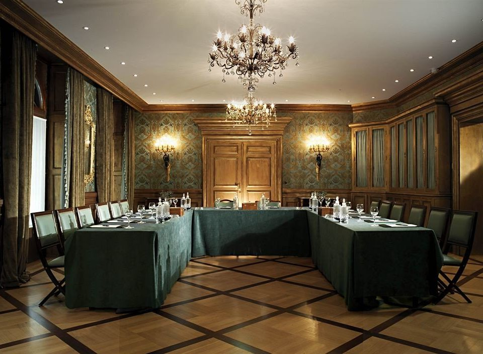 Lobby function hall conference hall auditorium ballroom mansion convention center living room theatre