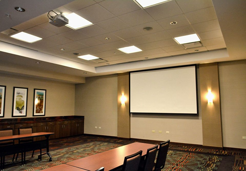 recreation room property billiard room conference hall auditorium Lobby lighting function hall convention center