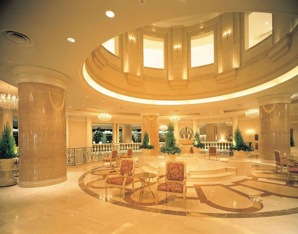 Lobby building shopping mall function hall retail convention center ballroom plaza counter hall colonnade