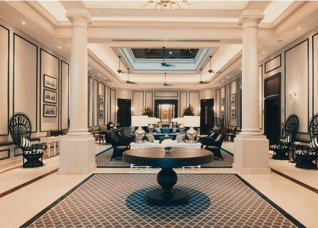 Lobby building living room mansion conference hall function hall recreation room ballroom tiled