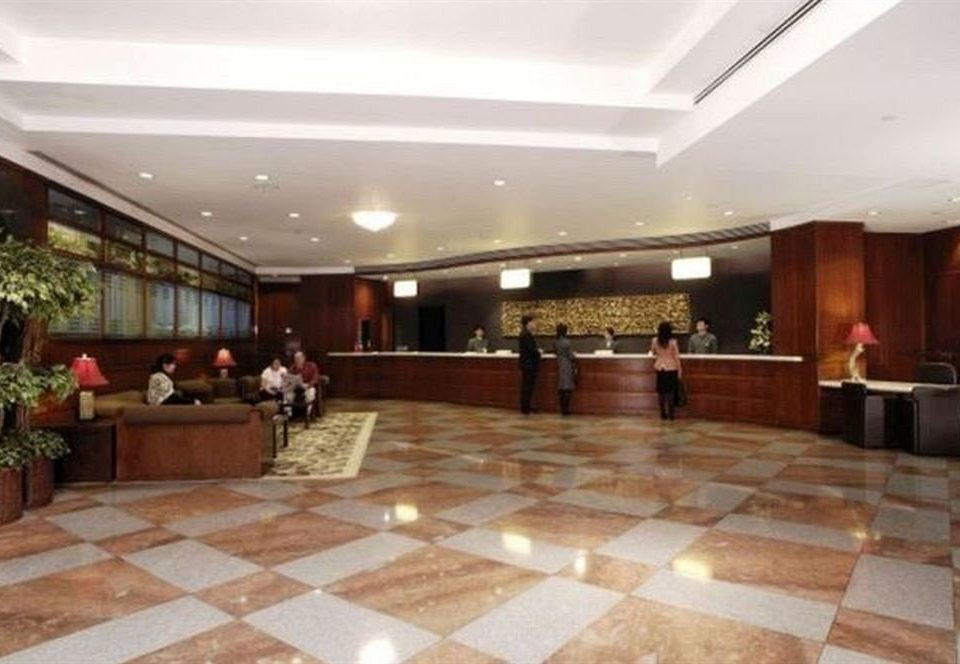 Lobby property function hall convention center conference hall flooring condominium ballroom mansion restaurant tile tiled stone