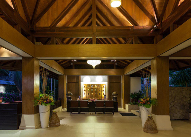 Lobby property home lighting function hall mansion living room ballroom convention center