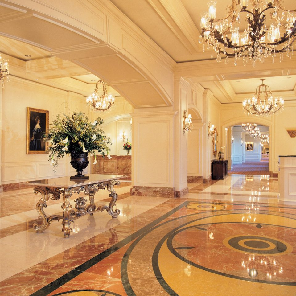 Lobby property function hall mansion ballroom palace flooring hall counter fancy