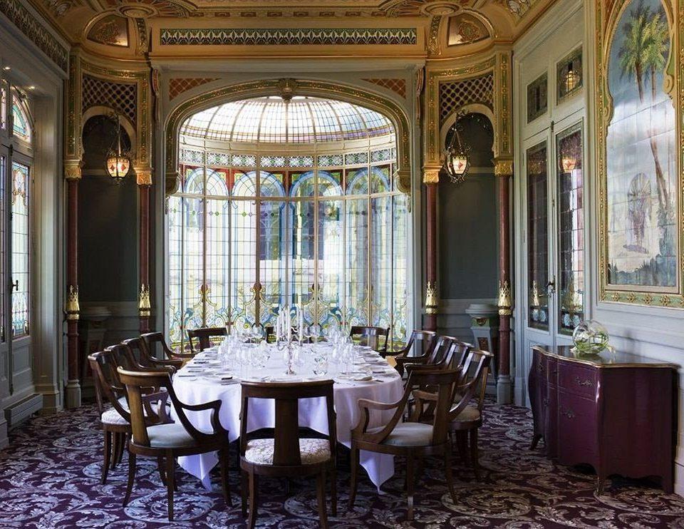 palace mansion restaurant function hall ballroom Lobby