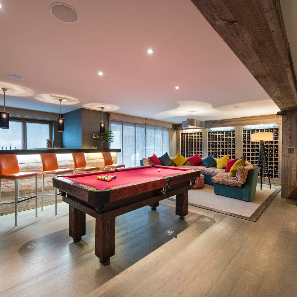 recreation room billiard room property home living room basement Lobby stone