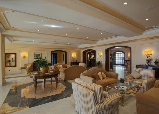 property living room Lobby home mansion yacht condominium basement flat
