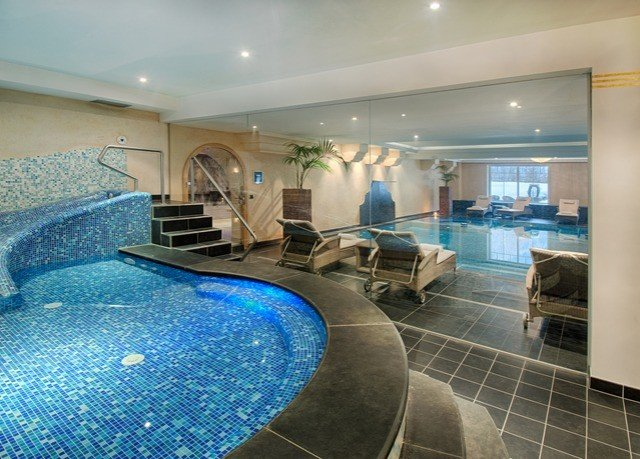swimming pool property blue condominium Lobby mansion