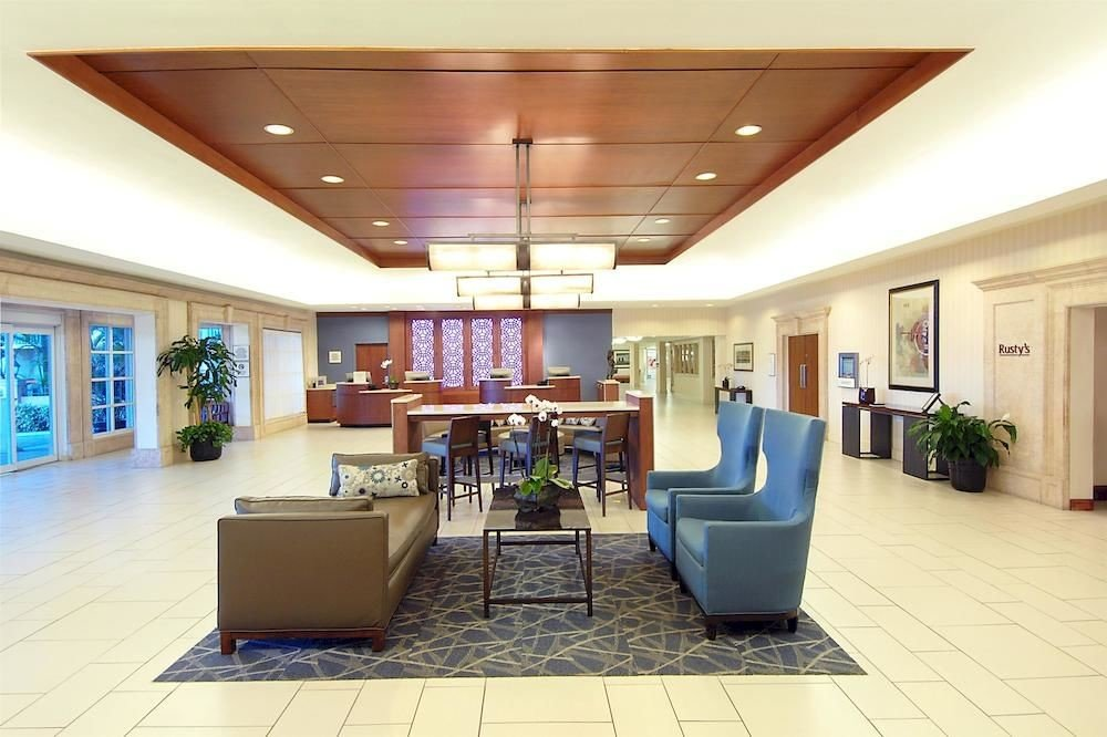 Lobby property building condominium living room conference hall waiting room home recreation room convention center
