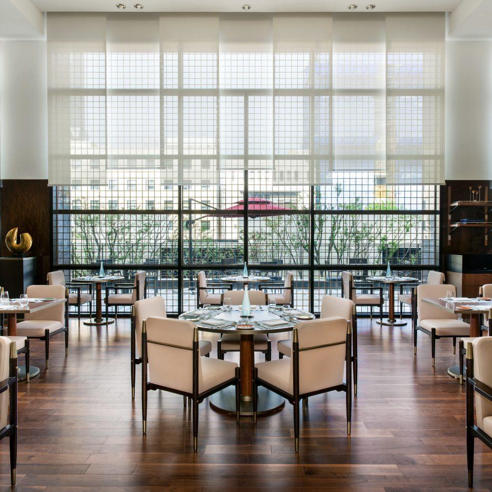 restaurant Lobby institution cafeteria café chair daylighting