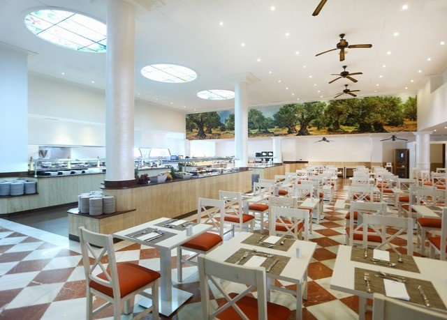 restaurant cafeteria function hall convention center Lobby conference hall plaza condominium food court