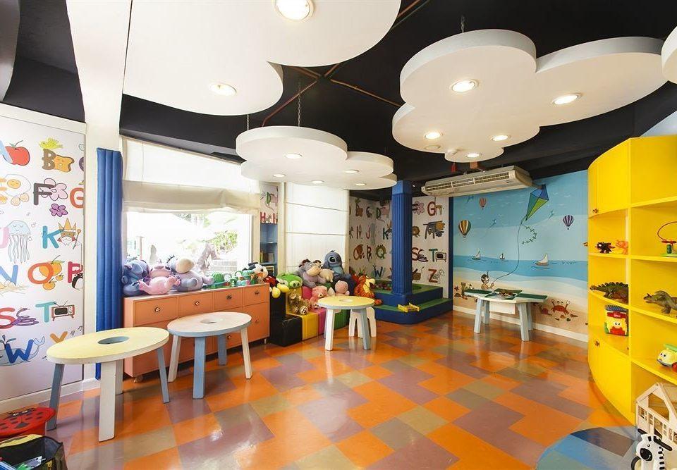 classroom kindergarten Lobby restaurant cluttered