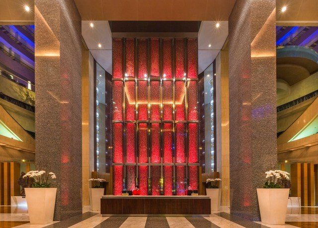 Lobby lighting column flooring