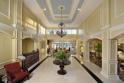 Lobby property living room mansion home condominium lighting daylighting hall