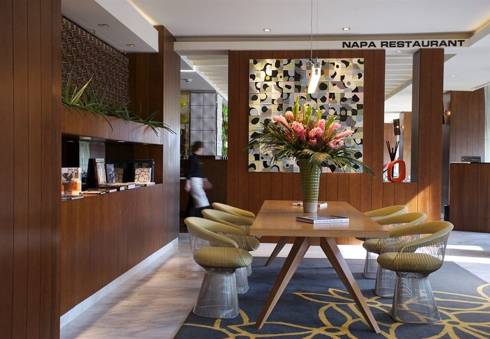 Lobby property home living room condominium mansion restaurant dining table
