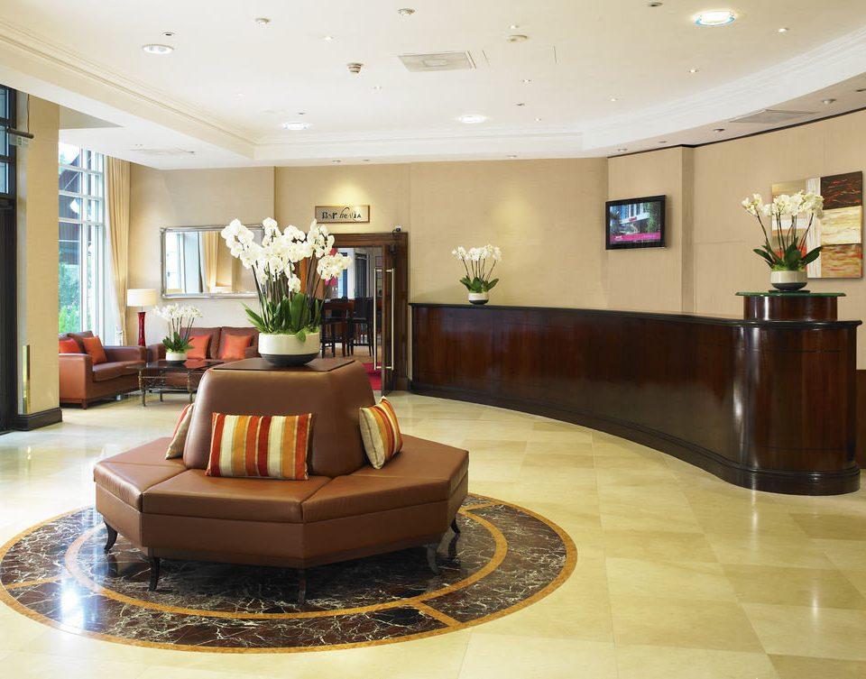 Lobby property living room home mansion condominium flooring