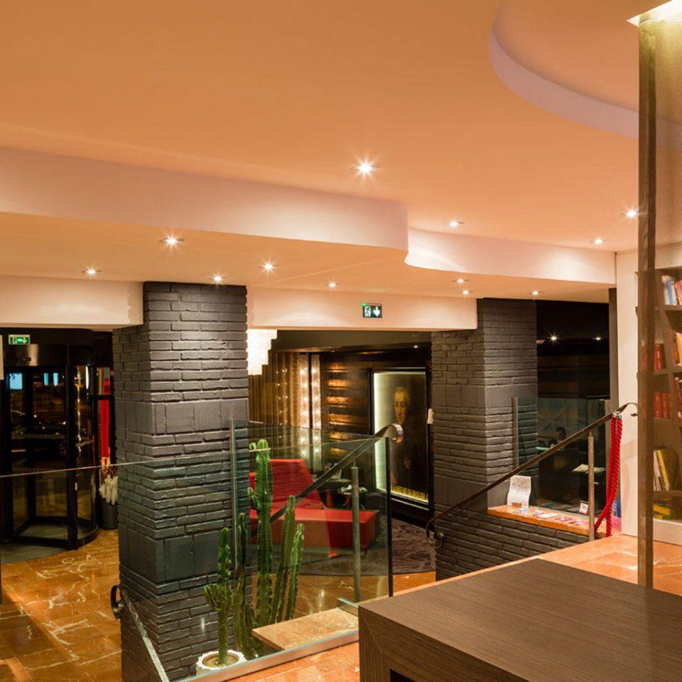 property Lobby restaurant condominium