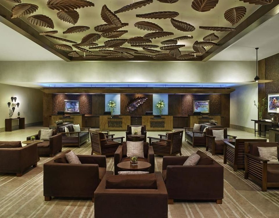 Lobby property living room convention center function hall recreation room
