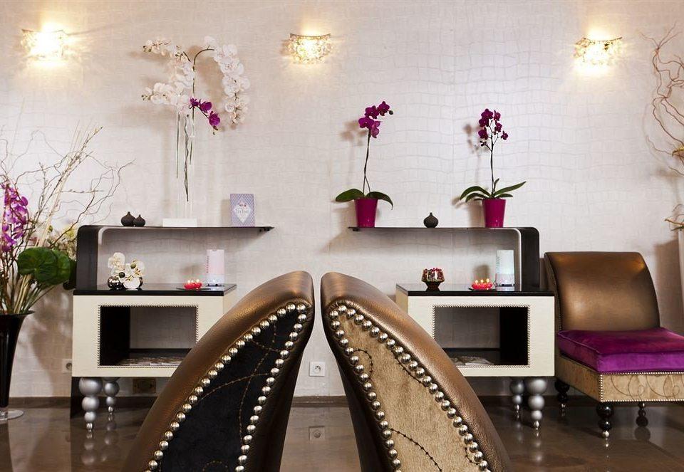 Lobby floristry living room