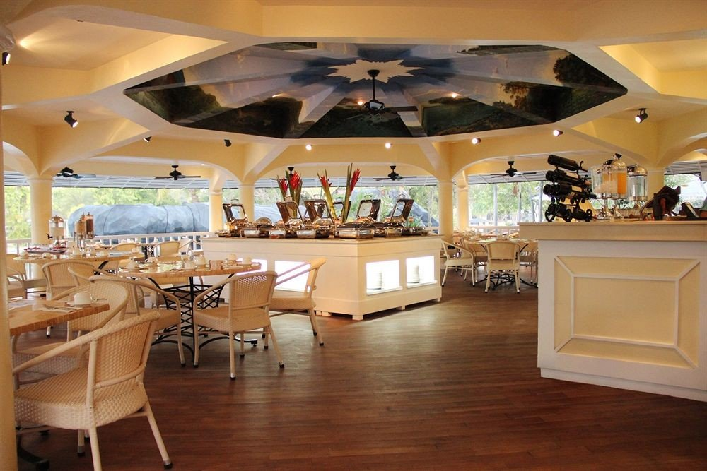 Lobby function hall restaurant recreation room