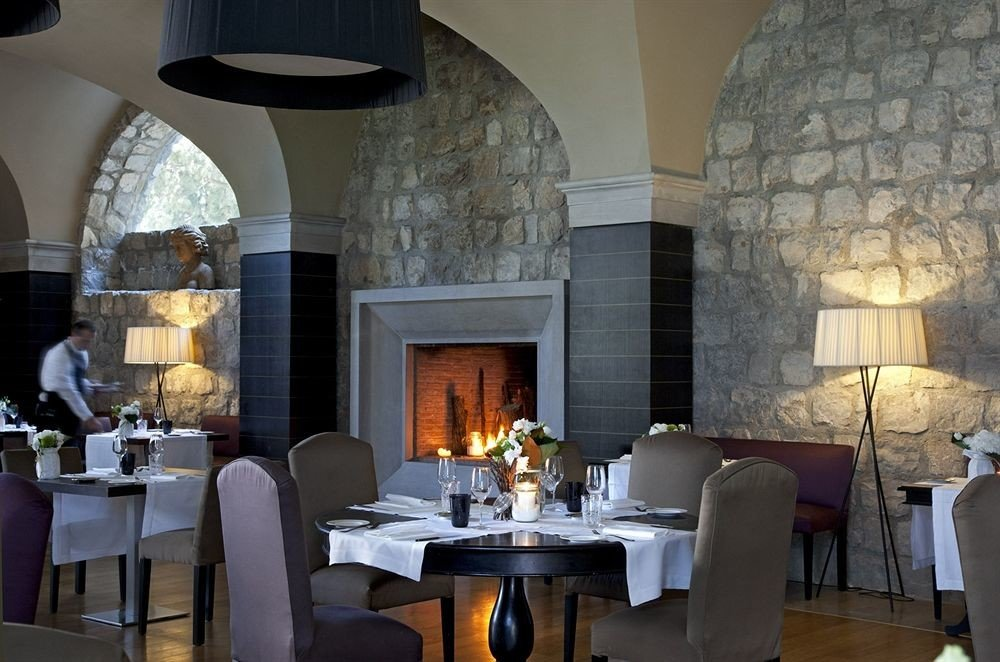 property restaurant living room lighting Lobby hearth stone