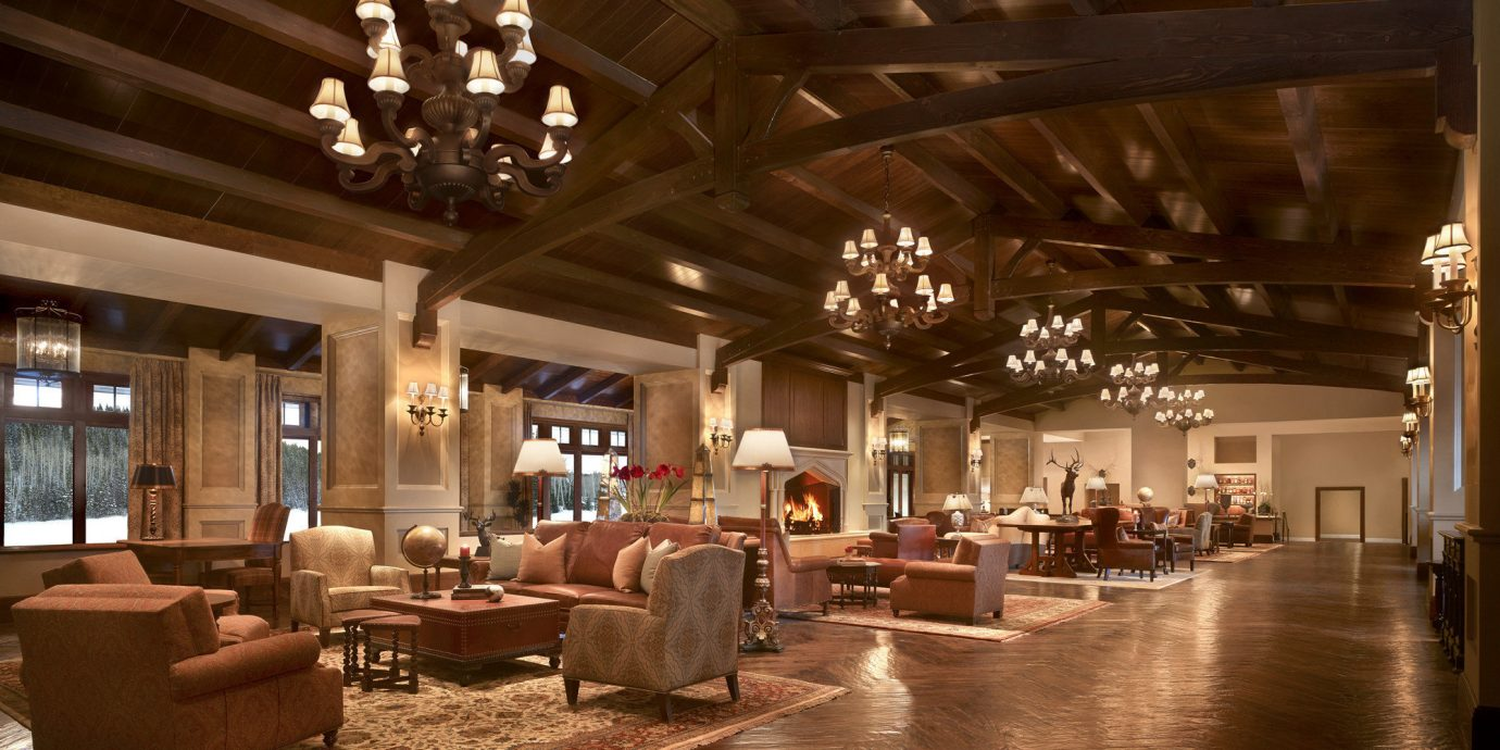 Lobby lighting restaurant