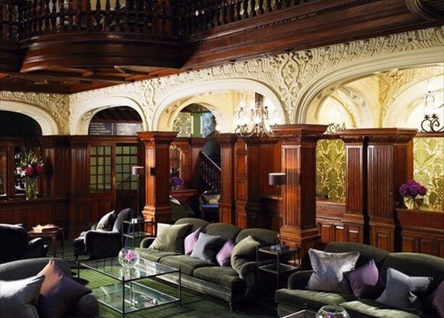 Lobby mansion living room