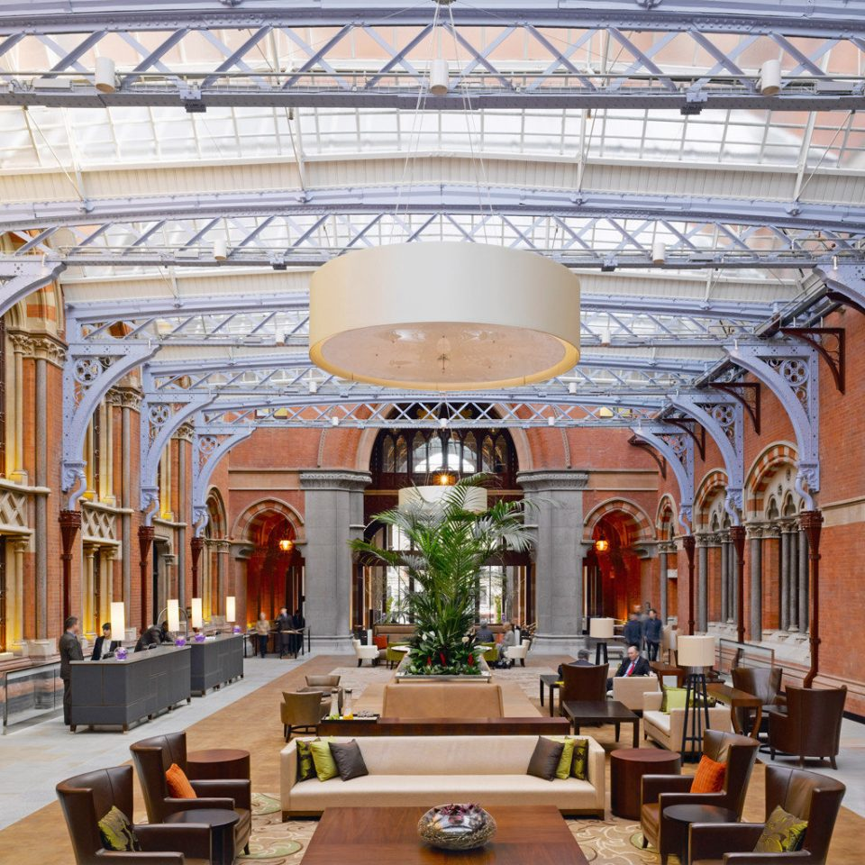 Lobby Lounge Luxury building property palace plaza home mansion arch synagogue