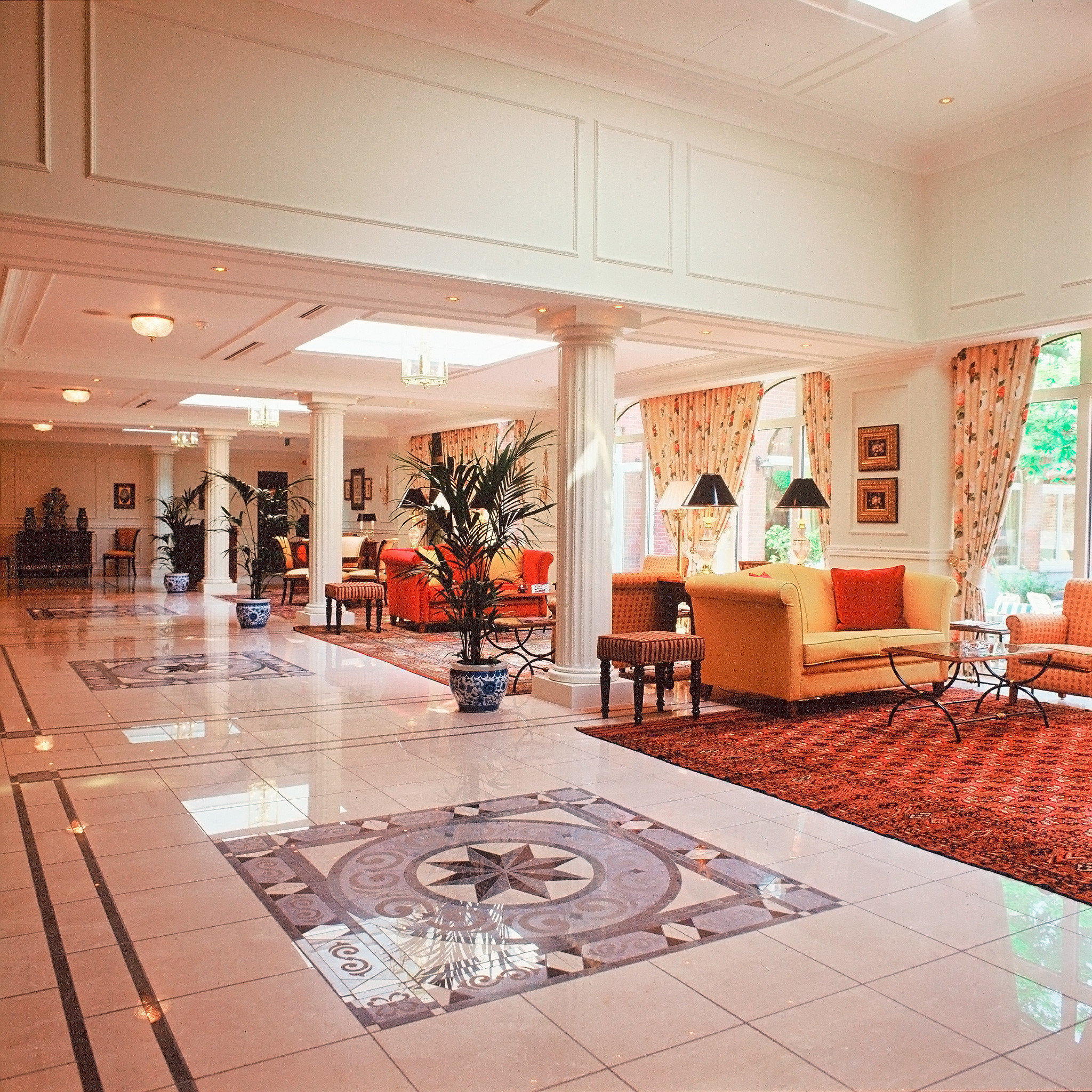 Lounge Luxury Lobby property shopping mall flooring living room retail swimming pool