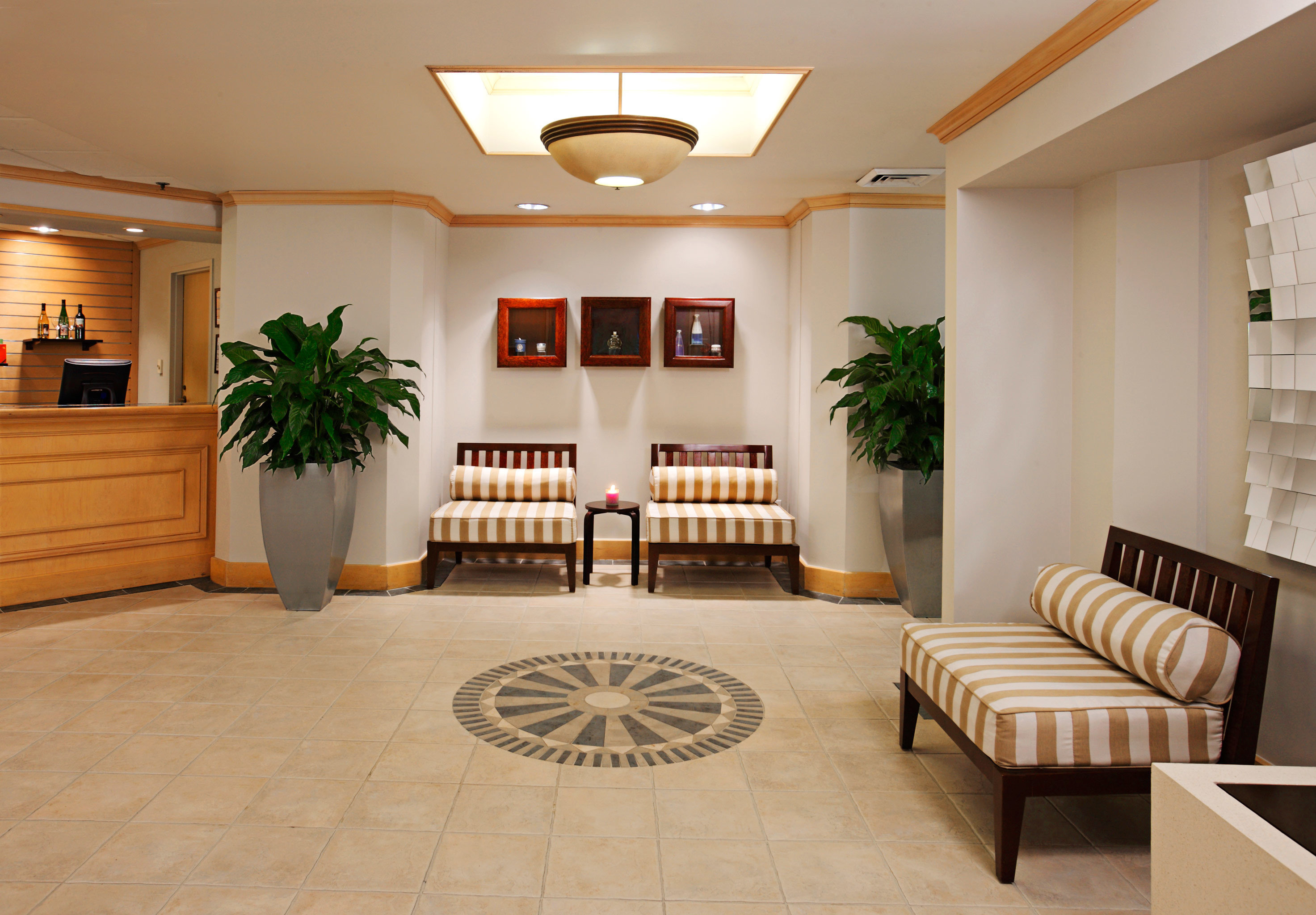 Lounge Luxury Lobby property living room home condominium Suite mansion flooring