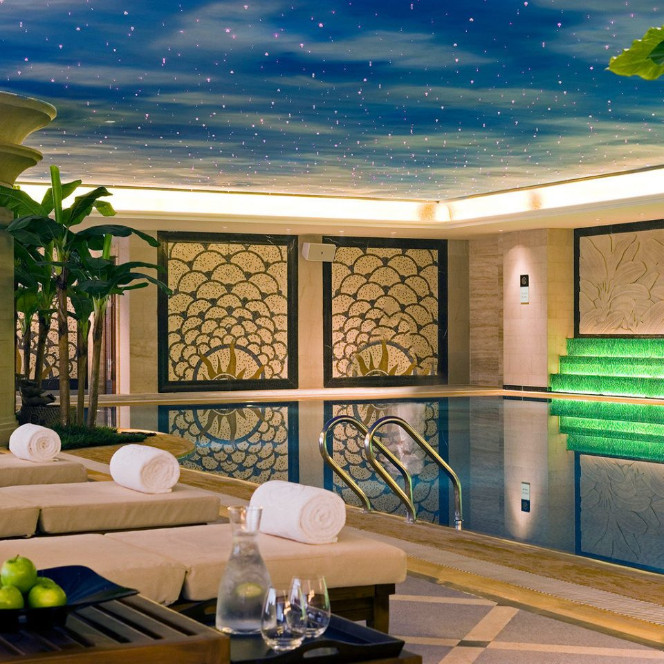 Lounge Play Pool Resort Wellness swimming pool property home living room lighting backyard Lobby condominium mansion Villa