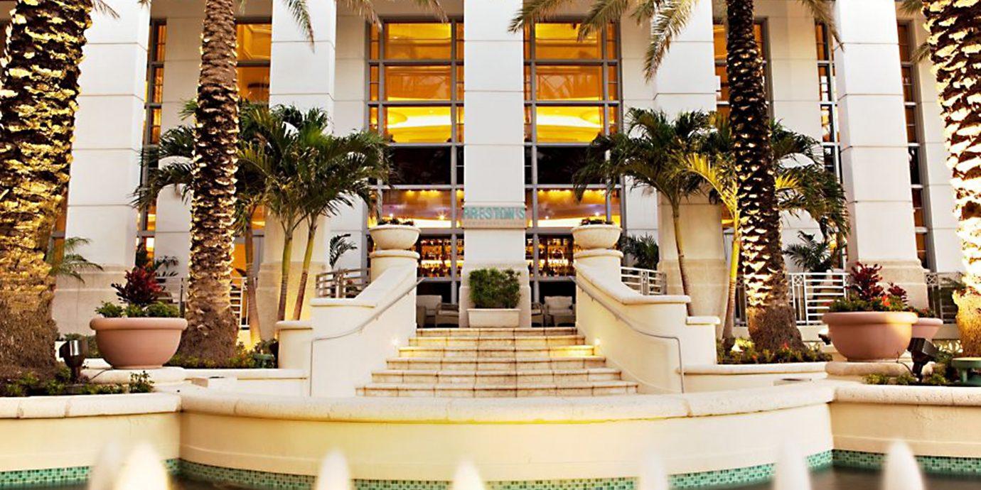 Lobby Lounge floristry restaurant retail Resort