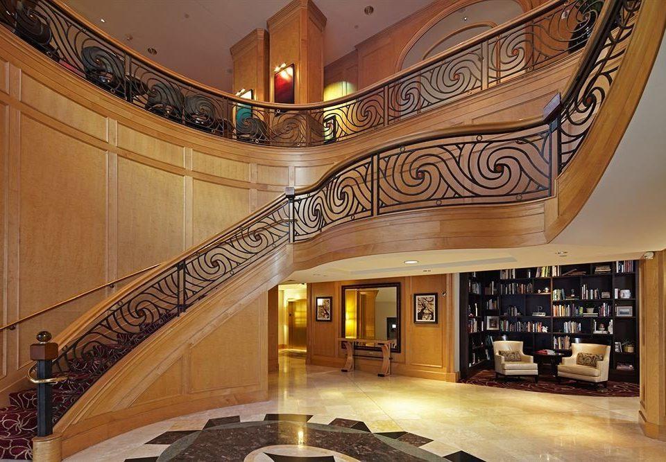 Lobby mansion