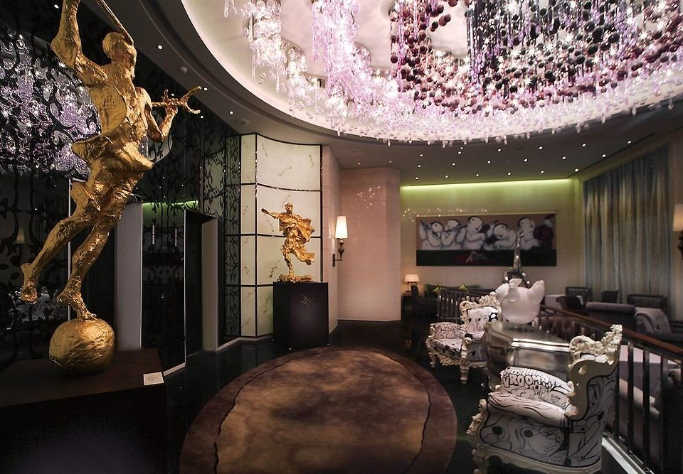 Lobby mansion restaurant screenshot theatre