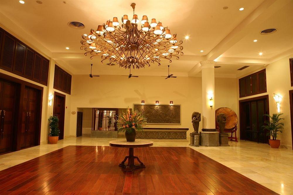 Lobby home hall ballroom function hall wood flooring living room tourist attraction flooring hard flat Modern