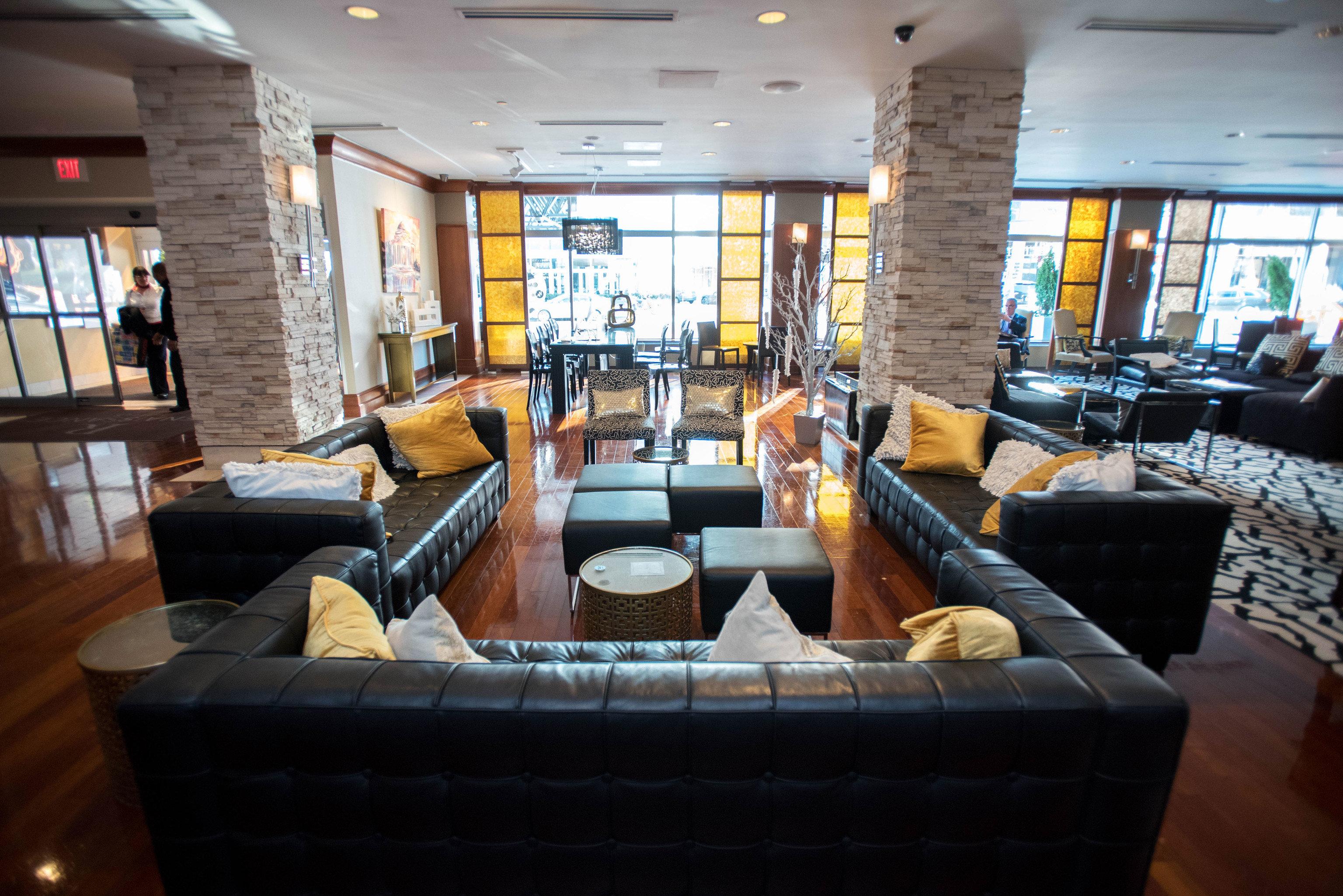 sofa property living room Lobby Resort home condominium vehicle restaurant Modern leather