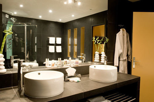 bathroom mirror sink lighting home Suite counter restaurant living room Lobby Modern