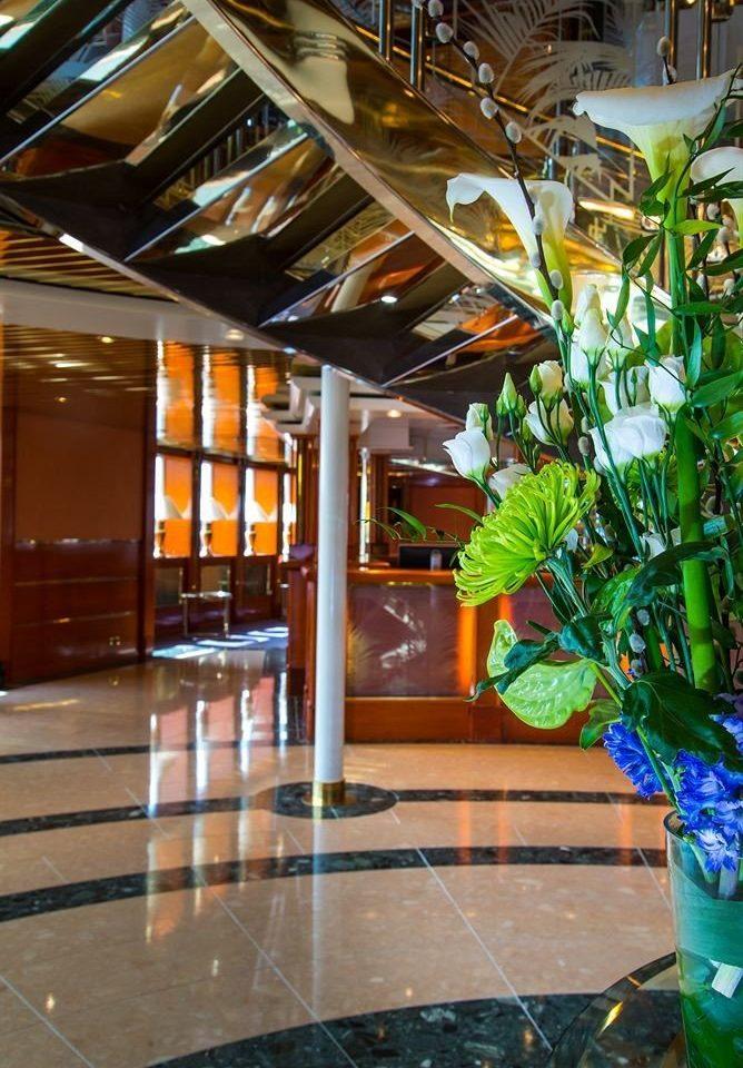 Lobby retail shopping mall plant