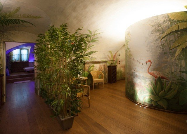 plant Lobby