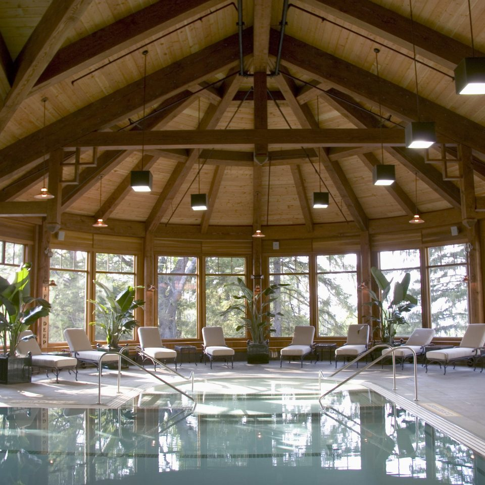 swimming pool Resort resort town daylighting outdoor structure Lobby amenity pavilion roof