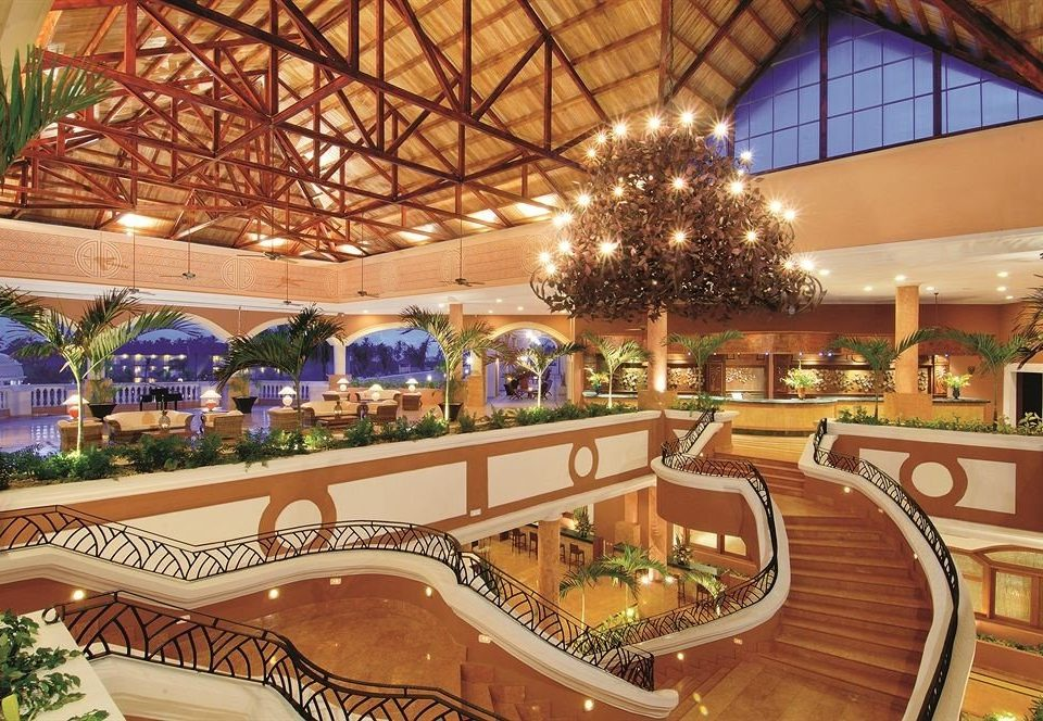 Lobby function hall Resort shopping mall plaza convention center mansion palace ballroom