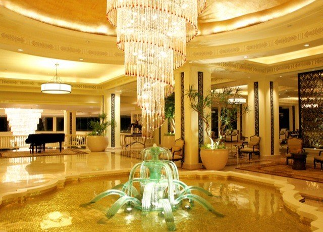 Lobby function hall lighting shopping mall palace ballroom mansion convention center Resort