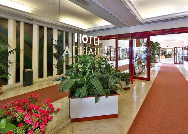 plant building Lobby home restaurant Resort condominium plaza retail porch