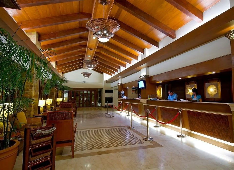 Lobby building Resort restaurant function hall recreation room convention center