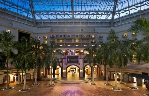 building plaza Resort shopping mall convention center palace Lobby