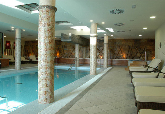 swimming pool Lobby property condominium Resort mansion