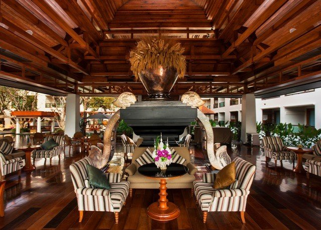 Resort restaurant Lobby recreation room function hall mansion dining table