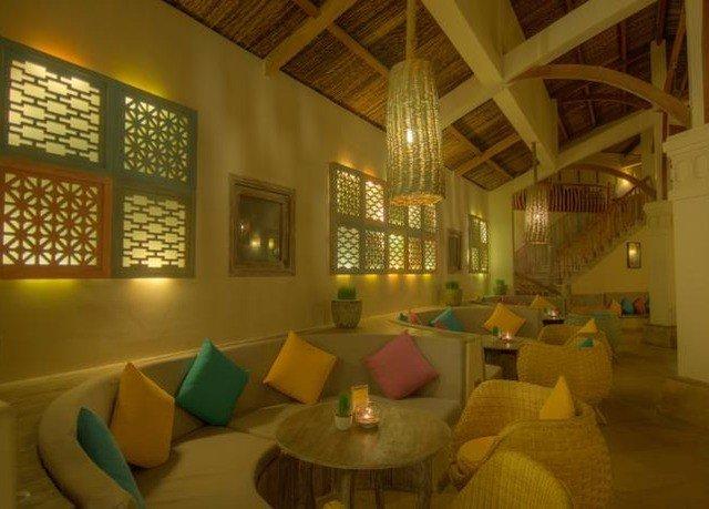 sofa property Lobby green function hall restaurant Resort living room