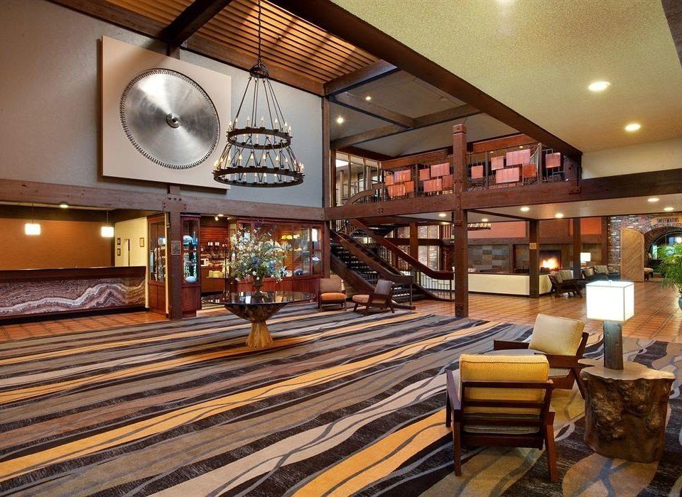 Lobby property recreation room living room home Resort restaurant